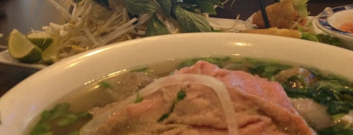 Saigon Noodle and Grill is one of Orland.