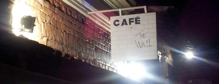 The Wall Café is one of Baladas Alternativas São Paulo.