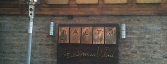 Pacto Arte Bar is one of Lugarees.