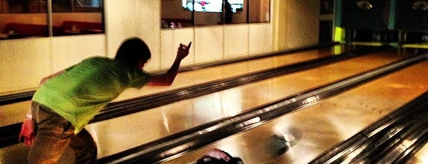 Bloomsbury Bowling Lanes is one of Georgie places to go/ things to do.