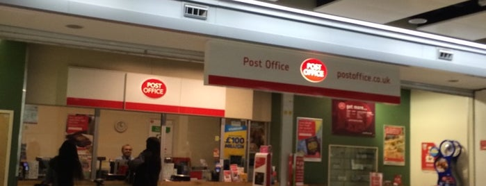 Post Office is one of Summer in London/été à Londres.