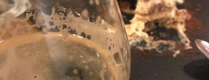 Hopposite is one of Spain craft beer spots.
