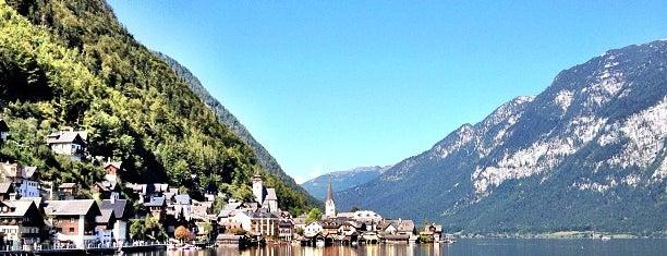 Hallstätter See is one of Jezera.