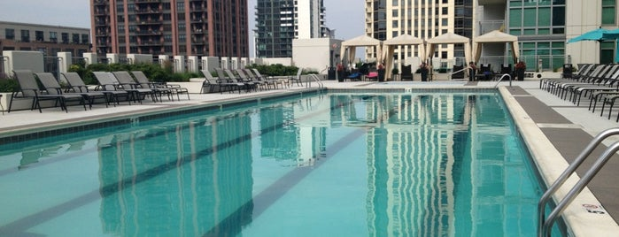 The 15 Best Places with a Swimming Pool in Chicago