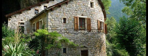 E-VillaProje.com - Müstakil Betonarme Çelik Ahşap  Ev Villa Proje ve Yapım Merkezi is one of SerVilla Çelik Villa.