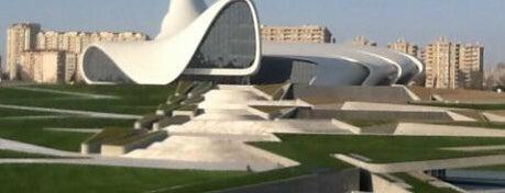 Центр Гейдара Алиева is one of Baku, AZ.