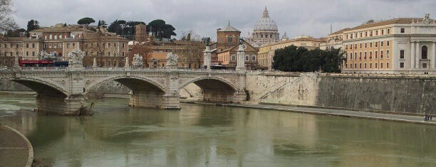 Tevere is one of Rome.