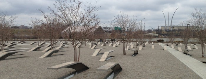 The Pentagon 9/11 Memorial is one of boggle.
