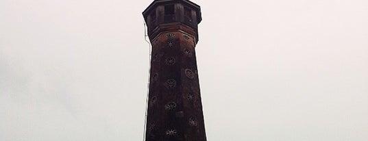 Cột Cờ Hà Nội (Hanoi Flag Tower) is one of Địa điểm phải tới khi ở Hà Nội.