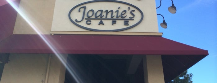 Joanie's Cafe is one of Bomb Breakfast Spots.