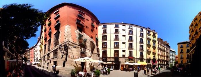 Arco de Cuchilleros is one of 3 Day Adventure in Madrid.