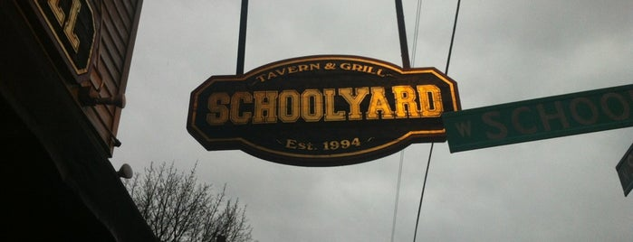 Schoolyard Tavern & Grill is one of Chicago Bulls Bars in Chicago.