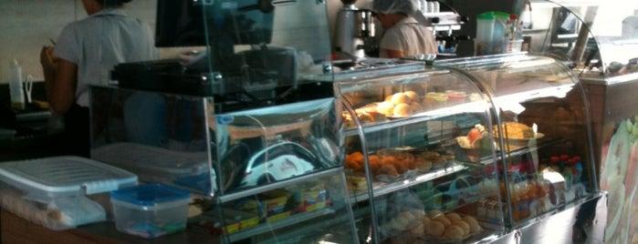 Divino Café is one of Restaurantes e Lanchonetes (Food) em João Pessoa.
