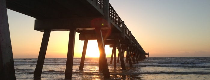 Jacksonville Beach Fishing Pier is one of Places to Drink.