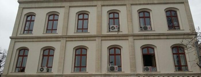 Beyazıt Devlet Kütüphanesi is one of İstanbul 2.