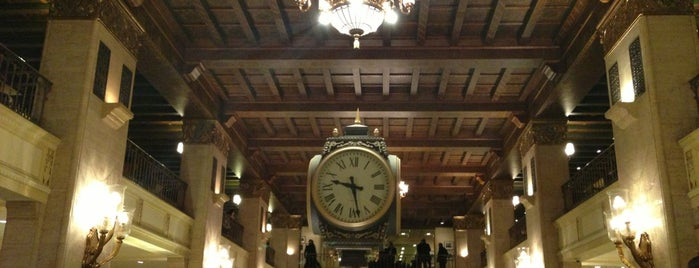 The Fairmont Royal York is one of Bucket List Places.