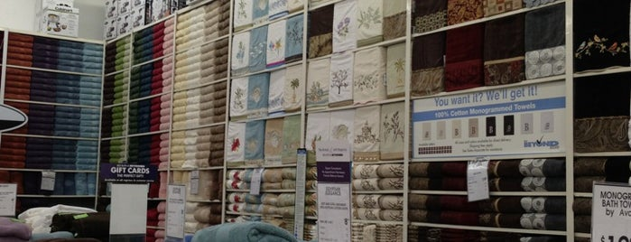 Bed Bath & Beyond is one of Out & About around Aventura.