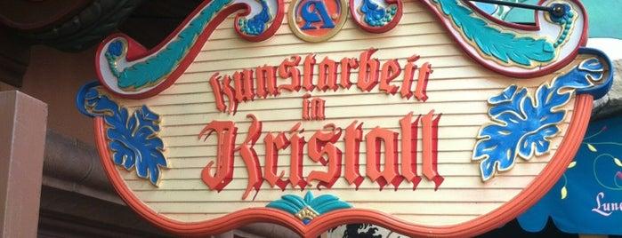 Kunstarbeit in Kristall is one of Walt Disney World - Epcot.
