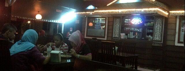 """Man Cafe"" Thaifood & Westernfood is one of Makan @ Utara #7."