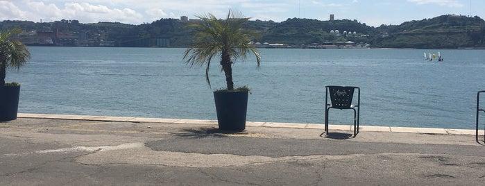Restaurante do Clube Naval is one of Restaurantes Lisboa e Arredores.