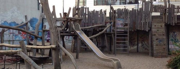 Abenteuerspielplatz is one of Spielplätze.