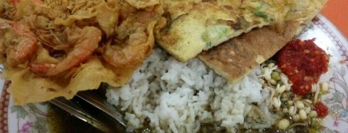 Warung Mojorejo 1 is one of Favorite Food.