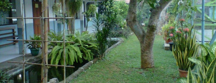 X.5 SMAN 3 Kab.Tangerang is one of Place Favorite.