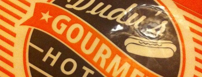 Dudu's Hot Dog Gourmet is one of Desejos gastronômicos.