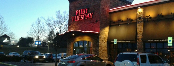 Ruby Tuesday is one of Favorite Nightlife Spots.