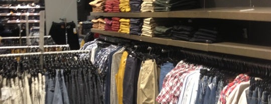 H&M is one of Top picks for Clothing Stores.