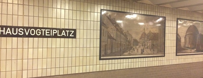 U Hausvogteiplatz is one of U-Bahn Berlin.