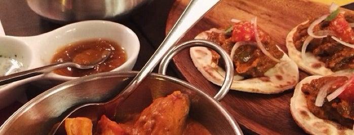 Tandoor is one of Restaurantes donde comer en Barcelona.