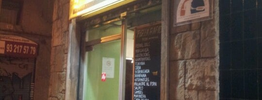 Pizza Ràpid is one of Cheap Eats Barcelona 5-10€.