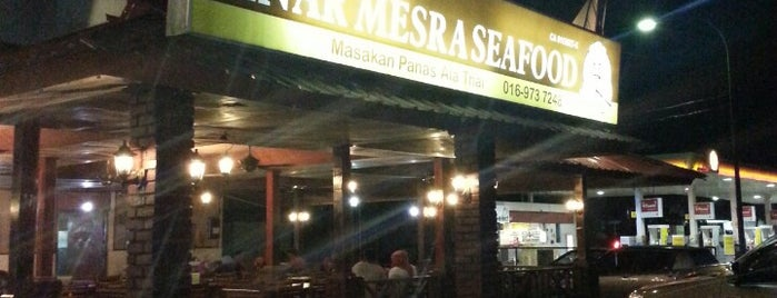 Sinar Mesra Seafood is one of Best Restaurant.