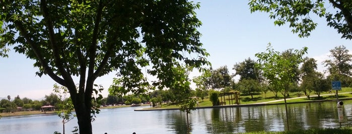 Lake Balboa Park is one of Places to check -in to.