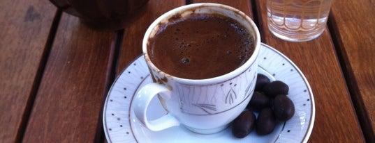 Melisa Cafe is one of Favoriler.