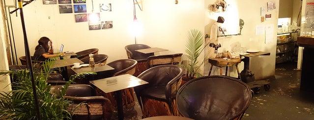 Kávé Espresso Bar is one of BKLYN: Whole New World.