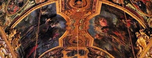 Galerie des Glaces is one of Paris.