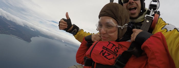Taupo Tandem Skydiving is one of TOP 10 discounts in Taupō with your TOP 10 card..