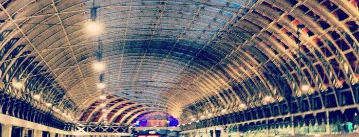 London Paddington Railway Station (PAD) is one of Summer in London/été à Londres.