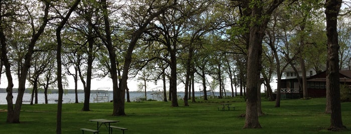 Pillsbury Point State Park is one of Iowa: State and National Parks.