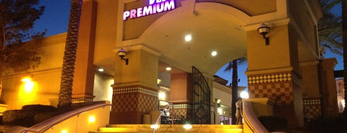 Desert Hills Premium Outlet West Wing Food Court is one of Palm Springs Favs.