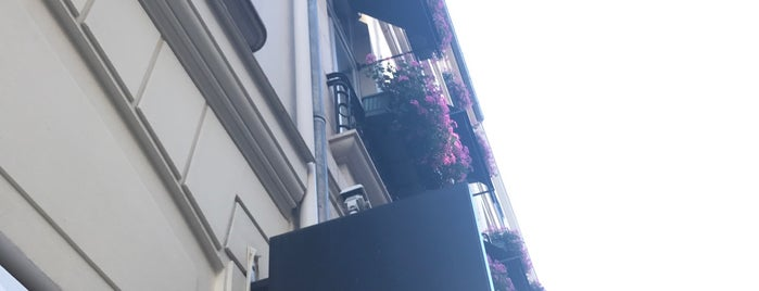 CHANEL Boutique is one of Paris.