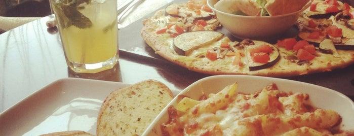 Pizza Hut is one of Must-visit Food in Bucureşti.