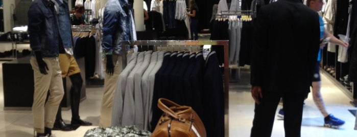 Zara Uomo is one of Shopping.