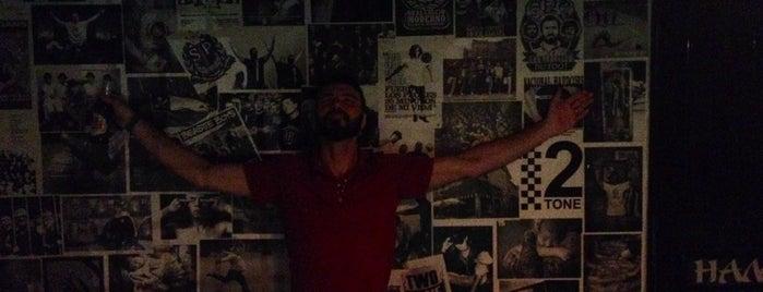 Two Tone Pub & Tattoo is one of O que tem para fazer em Rio Preto. :).