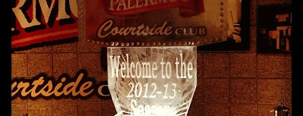 Palermo's Courtside Club is one of Bradley Center Tips.