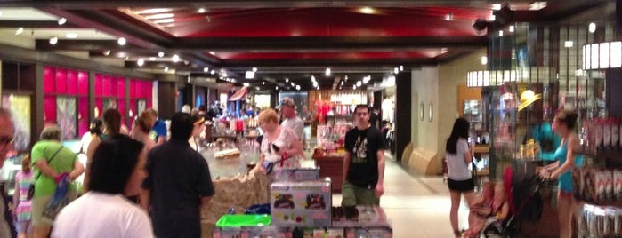 Mitsukoshi Merchandise Store is one of Favorite Places in Florida.