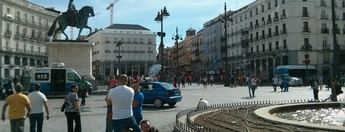 Puerta del Sol is one of Madri, Espanha.