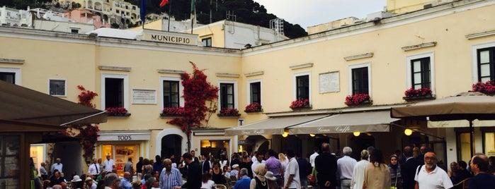Piazza Umberto I is one of Travel Guide to Amalfi Coast.